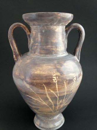 Nezumi shino amphora, with blowing wheat decoration.